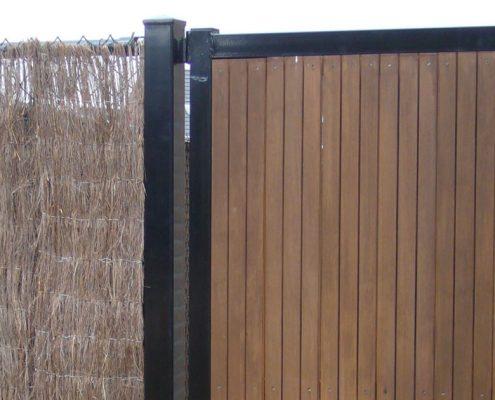 Enkele poort met houtvulling particuliere tuinen Vink Hekwerken